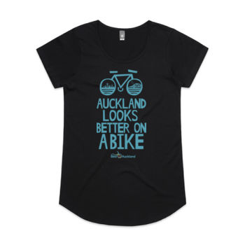 Scoop neck – Auckland Looks Better on a Bike – black Thumbnail